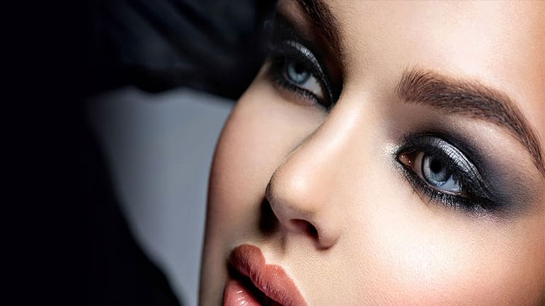 How to do a smokey eye for your eye shape